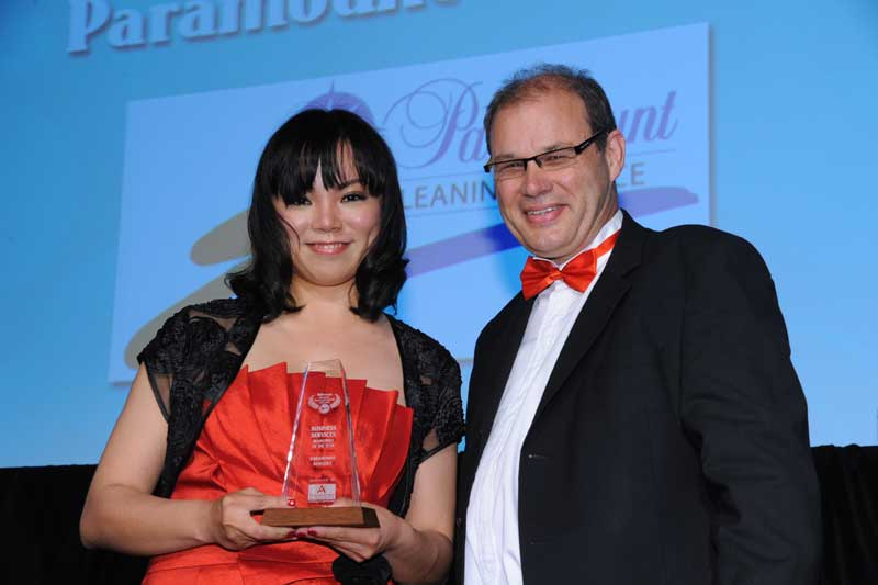 Spring Jiang of Paramount Services Remuera with Philip Morrison of sponsors Franchise Accountants
