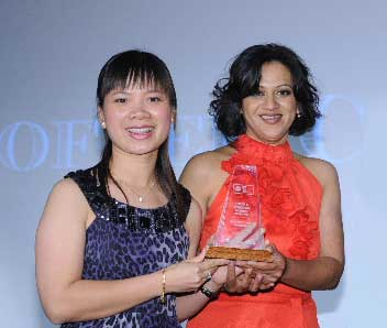 Ivy Joe (left) with Bhwana Magan, the business development manager from The Coffee Club who helped her win the Westpac Supreme Franchisee of the Year title